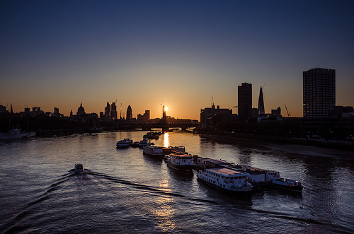 London, Thames sunrise